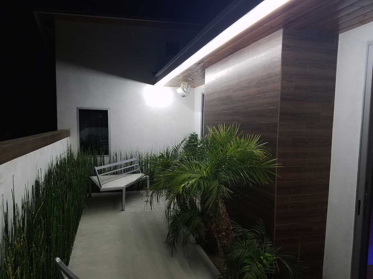 backyard accent patio lighting