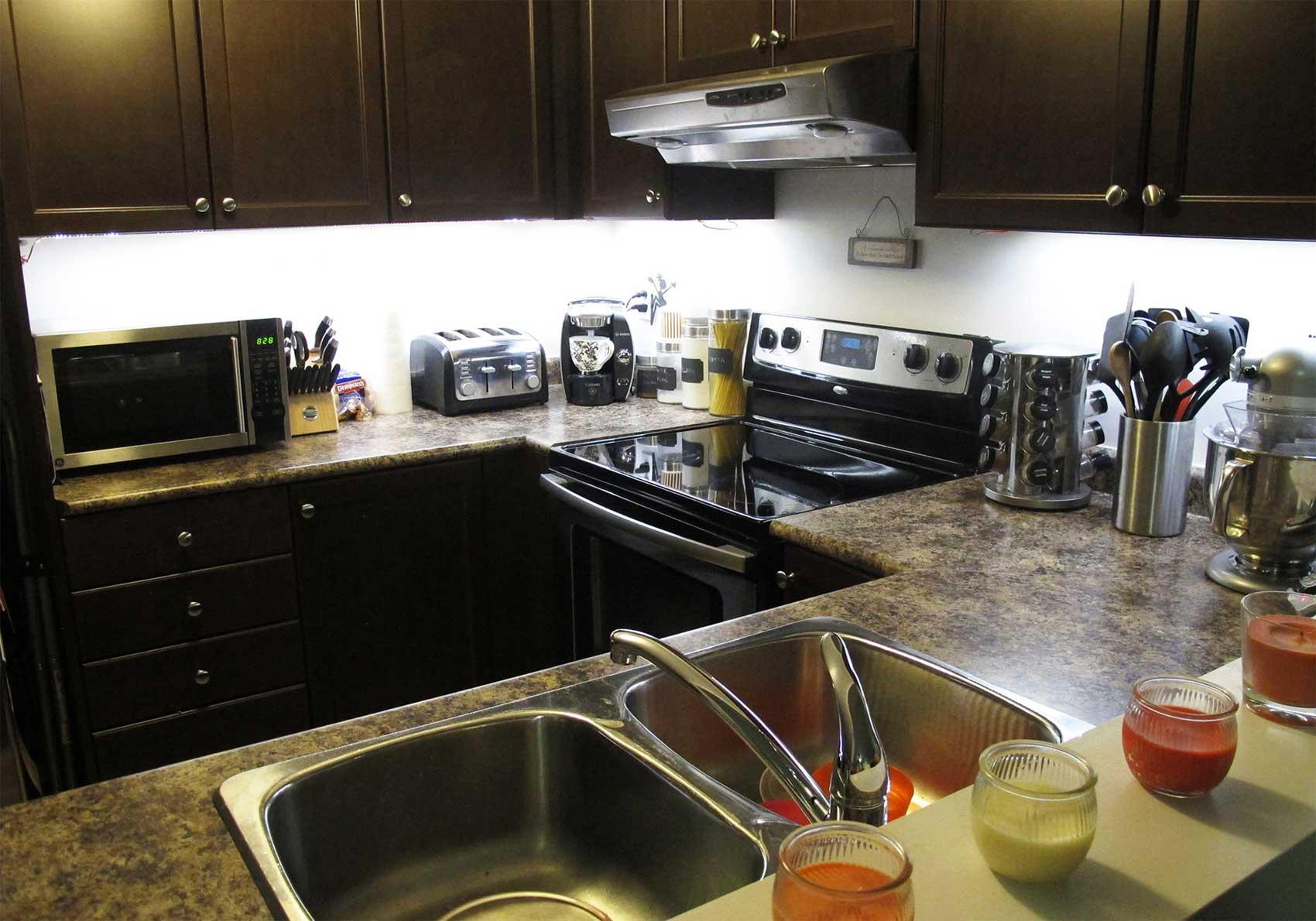 Kitchen under cabinet led lighting kits - Bright Under Cabinet Kitchen Lights