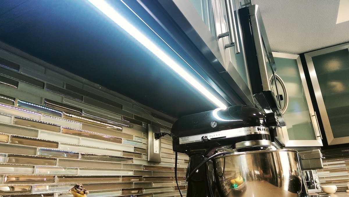 Modern linear kitchen lighting 02