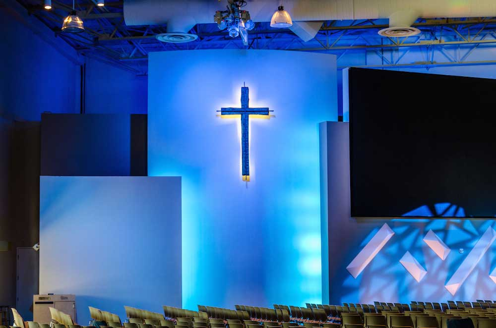 saddleback church DMX rgb stage lights 03
