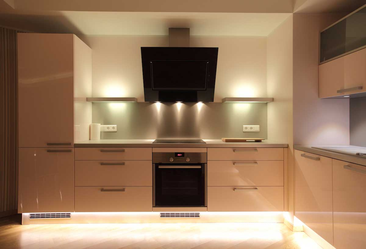 toe kit kitchen accent lighting